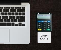 Chipkarte und Lesegerät - Die qualifizierte elektronische Signatur mit personalisierter Signaturkarte.